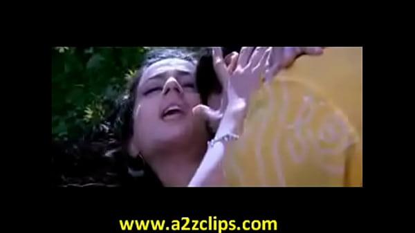 Amisha hot boob show