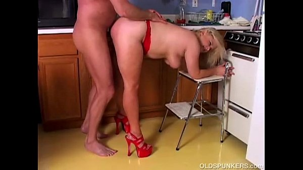 Cute chubby mature blonde loves to fuck...