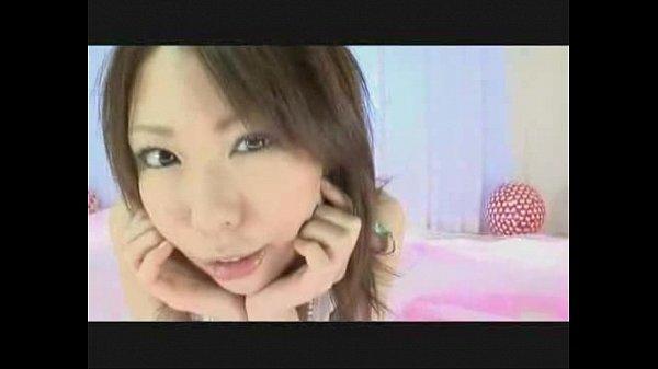 めちゃカワ美人娘が手ヌキフェラでボッキチンコを連続口内射精抜き!  の画像