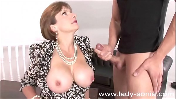 Love her u jizz lady sonia pantyhose nipples