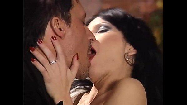 Публичный секс - порно видео снятое на публике