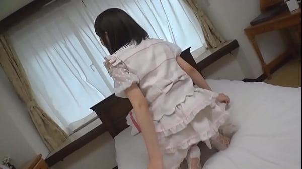 ロリ顔な美人娘なのに下着はかなりセクシー系のTバックがギャップ|イクイクXVIDEOS日本人無料エロ動画まとめ