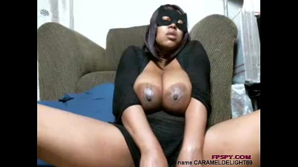Horny black mommy waiting your hard cock...