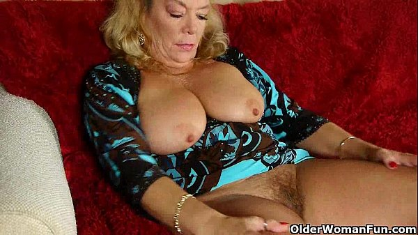 American granny dalbin works her soaked pussy 1