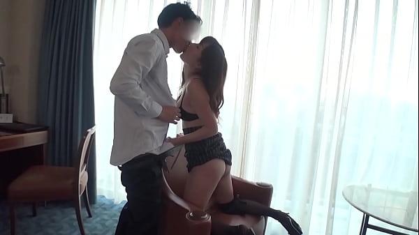 若い男のチ●ポを求めて応募して来た淫乱人妻久しぶりの快感に身悶えながらイキまくる!
