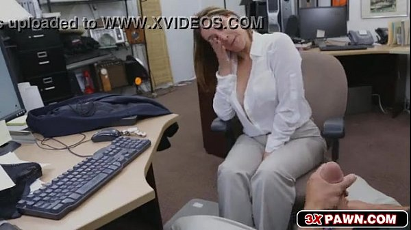 Videos Porno Loira gostosa chupando pau por dinheiro