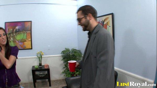 Трахает жену перед ее мужем