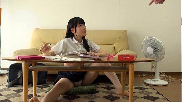 ロリな黒髪の女子校生が誘惑してきて自宅の部屋で発情しまくり