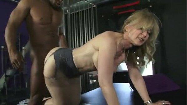 Milf jacks her clit