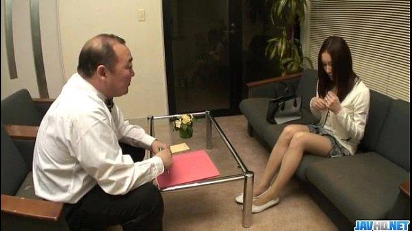 【熟女エロ動画】愛する旦那が目の前にいるにもかかわらず他人の巨根コを求めて|イクイクXVIDEOS日本人無料エロ動画まとめ
