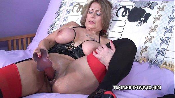 image Curvy milf sandie marquez fucks her mature twat with a toy