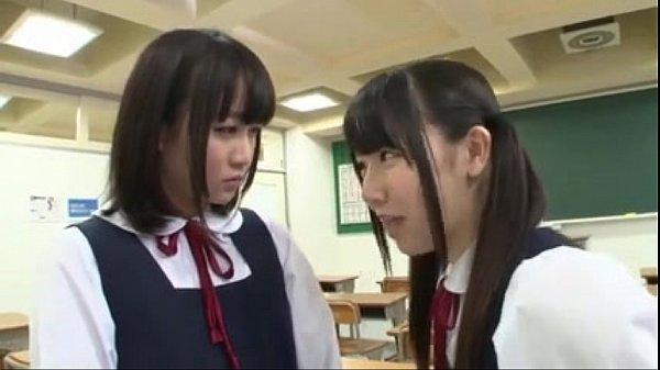 【レズ動画】愛須心亜篠宮ゆり同じ学校に通うJK百合カップルを狙う女子生徒とのNTR報復レズバトル?