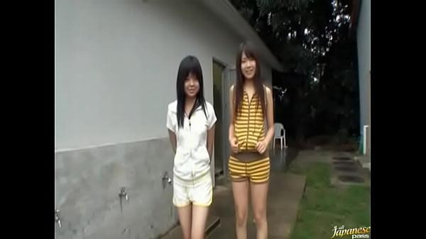 【ロリ動画】中学生ぐらいの美少女の放尿