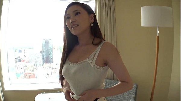 【人妻】恥じらいとある巨乳キュート女性に中取り出し状況撮りSEX