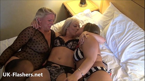 naked matures lesbo pussys