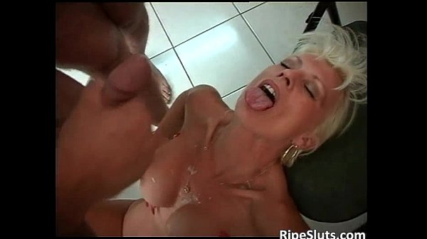 Blonde mommy with huge boobs fucked...