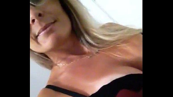videos de Porno Loira super gostosa trepando na webcam