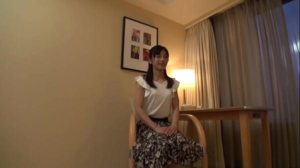 【熟女動画】欲求不満スレンダー人妻!普段と違うSEXに大興奮で潮吹きまくり!