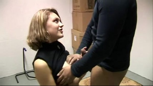 Female real estate agent fucked...