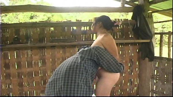 เย็ดสาวเขมรในกระท่อมกลางนาอย่างเสียวเลย ตอนจบมีเพื่อนมาช่วยสวิงด้วย- 9 Min