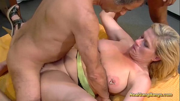 Asian girl gets fingered clip