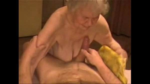 Facial on a very old granny. Amateur older - XVIDEOS.COM