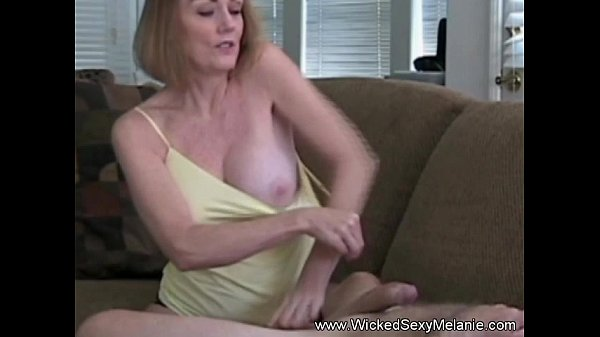 Threesome female free sex video