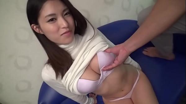 【シロウトTV】杏樹 20歳 お寿司屋さんの接客スタッフ
