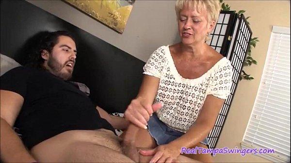 Swinger Plateste O Matura Sa Ii Faca O Muie Din Filme Porno