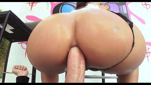 videos de Porno Gostosa vadia peitos grandes gozando no pau do malandro