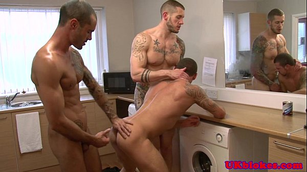 Muscled english queers love threeway sex 2