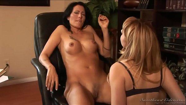 big breasts lisbian movei