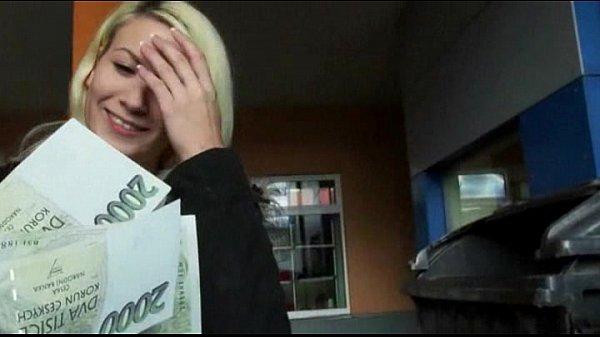 Tight amateur blonde eurobabe yenna banged in car park