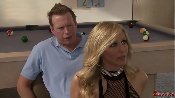 Sexy Blonde Strip Girl threesome Alexis Texa...