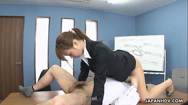Nữ thư kí úp lồn vào mặt sếp lớn