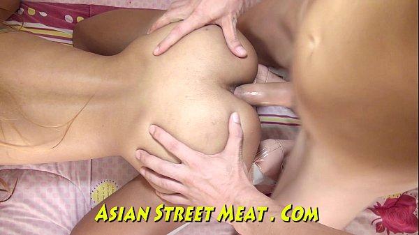 Videos de Sexo Novinha magrinha fazendo sexo com forca
