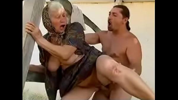 ебать старушку бабульку в колхозе фото