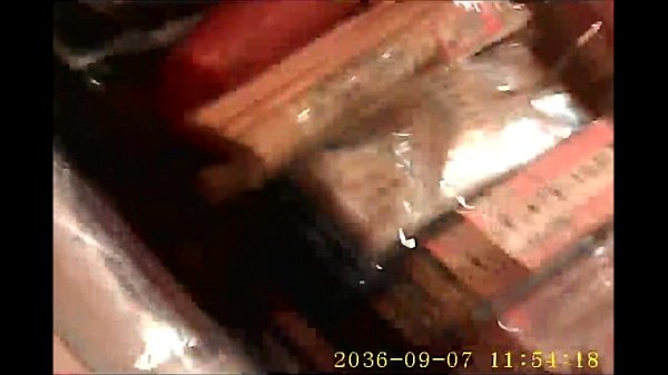 女子校生動画。ショップで女子校生のムチムチの太ももを盗撮 無音