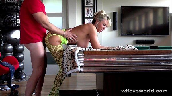 21 bbc fucking my wife bareback at hotel nc - 3 1