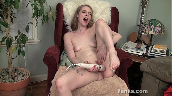 image Sexy ela pleases her pussy with vibrator