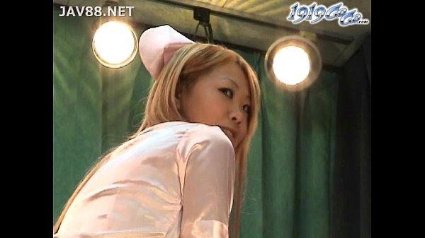 【アダルト動画】【着替え隠撮動画】風俗のパネル写真撮影する10代の金髪ギャル嬢の更衣室を隠しカメラ撮りww