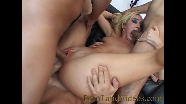 slutty milf with big asshole fucked with 3 c...