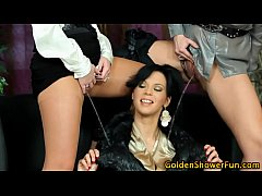 Watersports lesbo licked