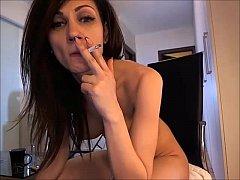 Big-boob brunettes masturbate with her sextoy
