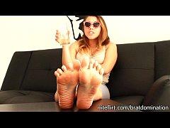 BP014-Cuckold Husband Feet Worship POV