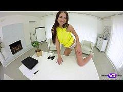 Tmw VR net - Selena Mur - REPORTER ORGASMS ON TABLE
