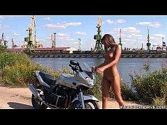 FUCKNDRIVE.COM: Crazy Biker Girl