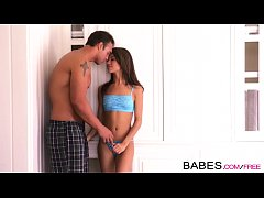 Babes - SO RIGHT Veronica Rodriguez