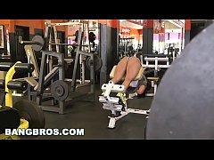BANGBROS - Becca Diamond's Tight Body-Builder P...