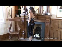 Brunette latex babe Jerrys high heels fetish an...